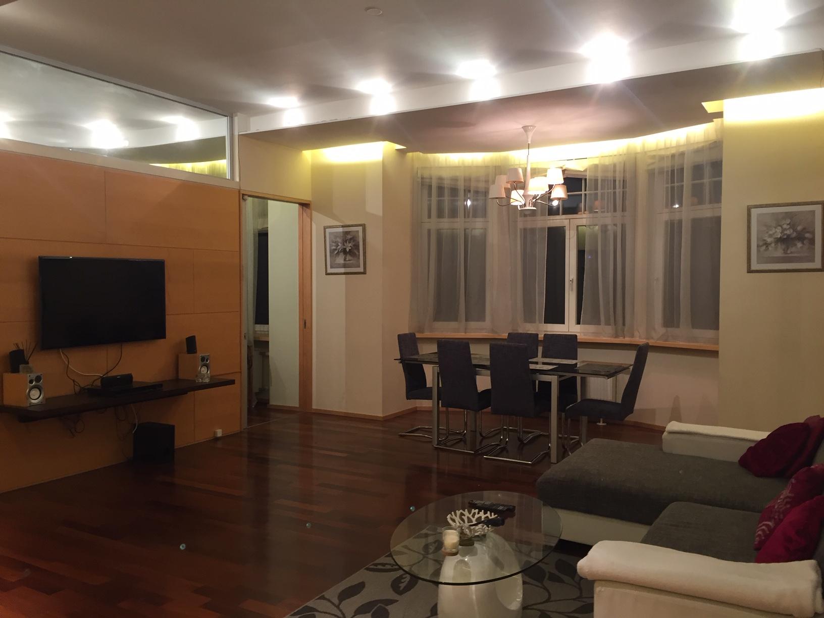 Продается просторная, современная квартира в тихом центре