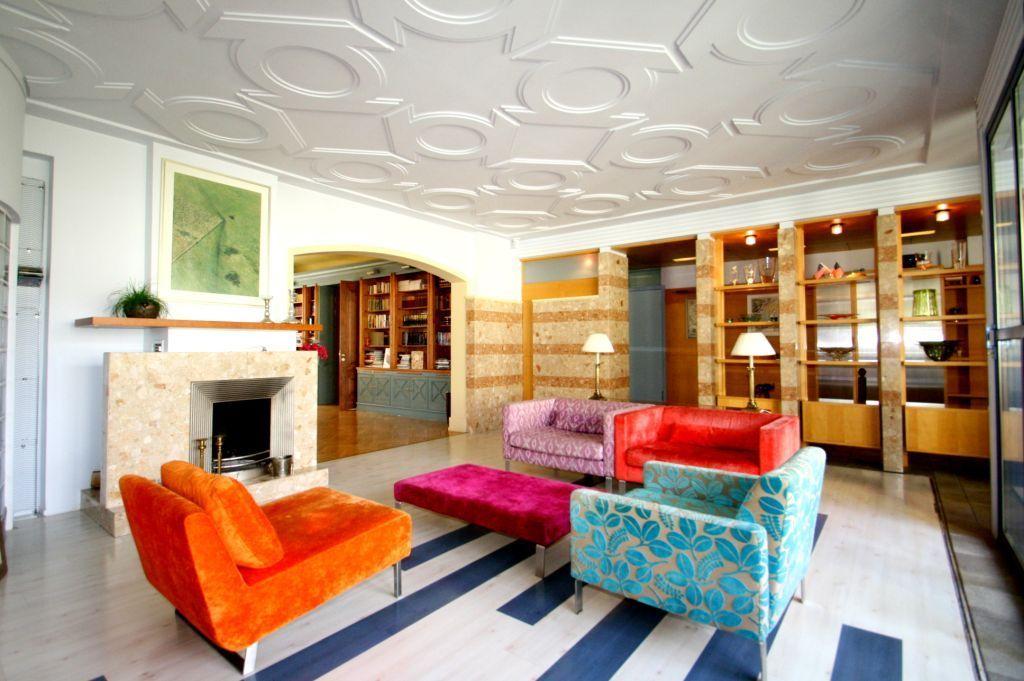 Предлагается прекрасная фасадная квартира с интересной отделкой  в самом сердце Риги!
