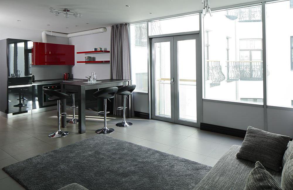 Сдается 3-х комнатная квартира с паркингом в Тихом Центре